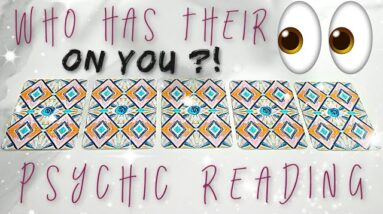 💕 Who Has Their Eyes 👀 On YOU?! 💕 (PICK A CARD) Psychic Reading 🌹💫