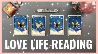 FREE LOVE TAROT CARD READING | Future Love Tarot Spread | Tarot Reader | Pick a Card